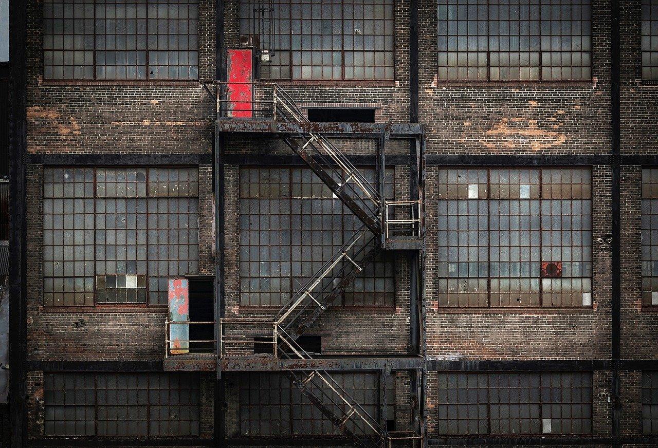 Factory Building Abandoned  - 12019 / Pixabay