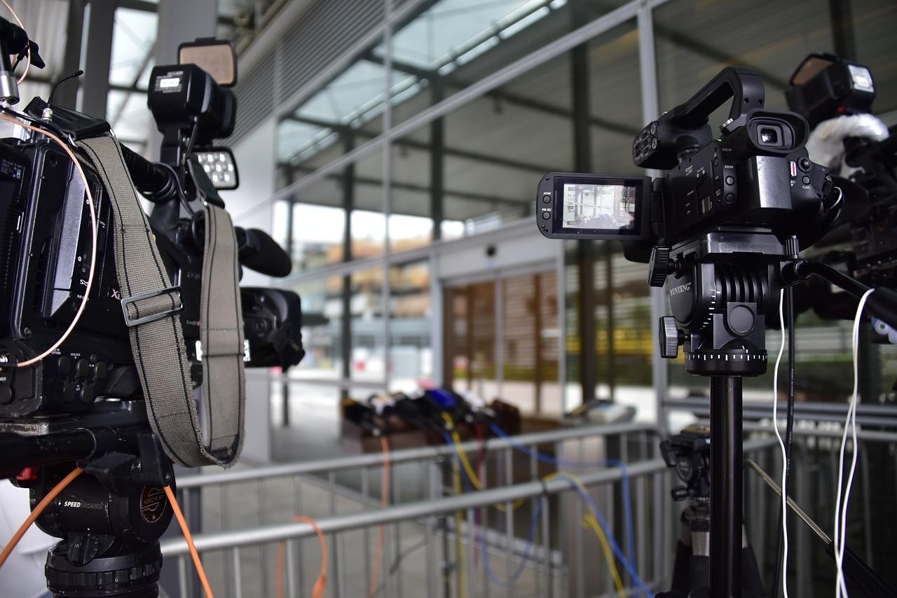 Hongkong Press Media Camera Work  - AndyLeungHK / Pixabay