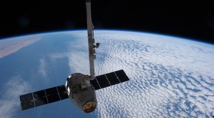 Satellite Orbit Spacex Aeronautics  - SpaceX-Imagery / Pixabay